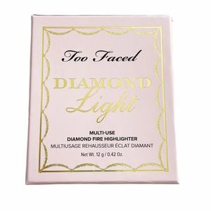 Too Faced Diamond Light Highlighter Pressed Powder